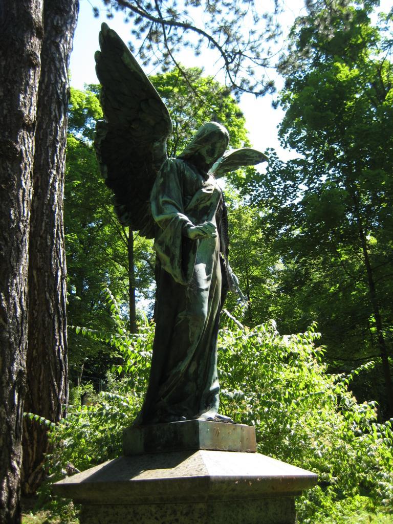 Engel auf dem Meininger Parkfriedhof