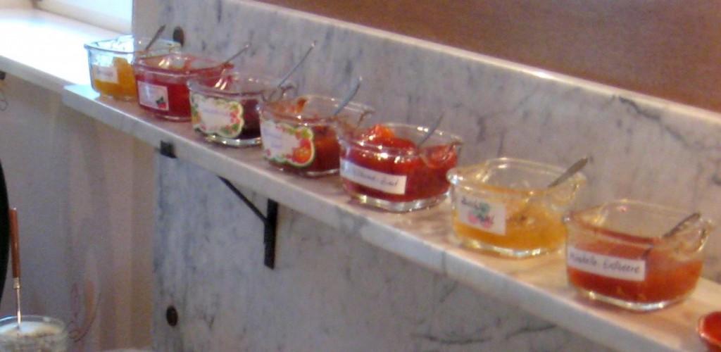 Je nach Jahreszeit gibt es die verschiedensten Marmeladen.